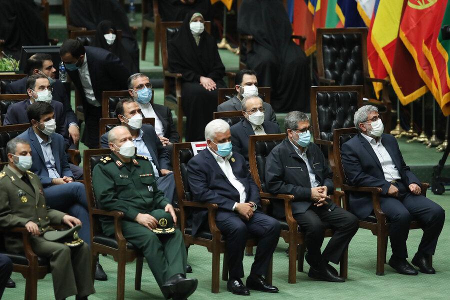 ۱۳ نکته از تحلیف سیزدهم | روحانی بالاخره به مجلس رفت| حضور اعضای احتمالی کابینه در مراسم
