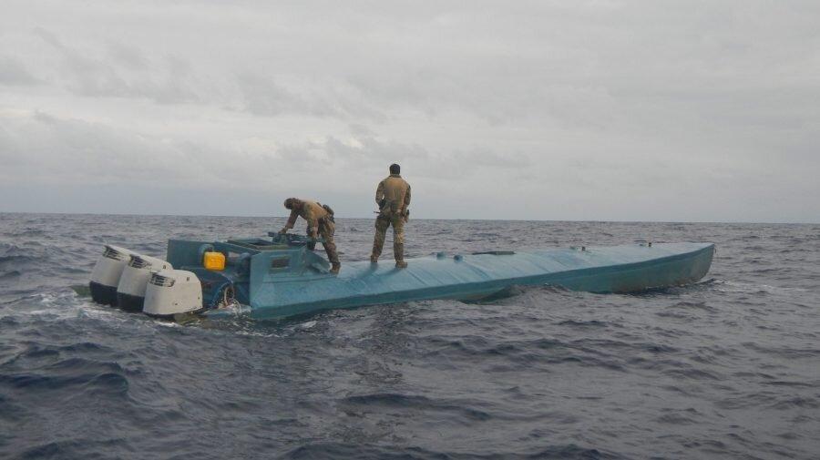 کشف ۲ تن کوکائین کلمبیایی در اقیانوس آرام | قاچاقچیان ۶۸ میلیون دلار ضرر کردند