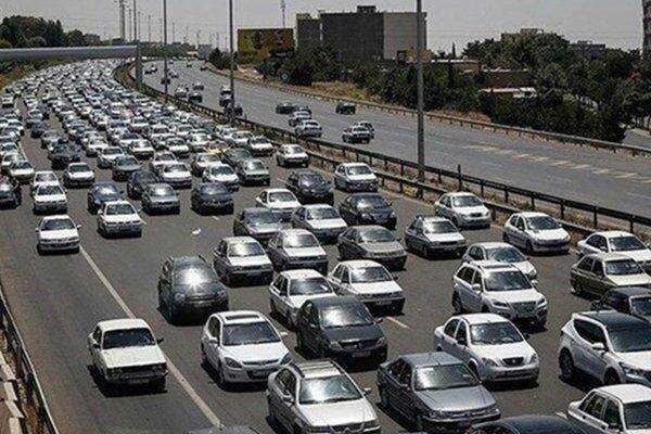 ترافیک سنگین در جادههای شمالی | مسافران بازگشت خود را به روزهای شنبه و یکشنبه موکول کنند