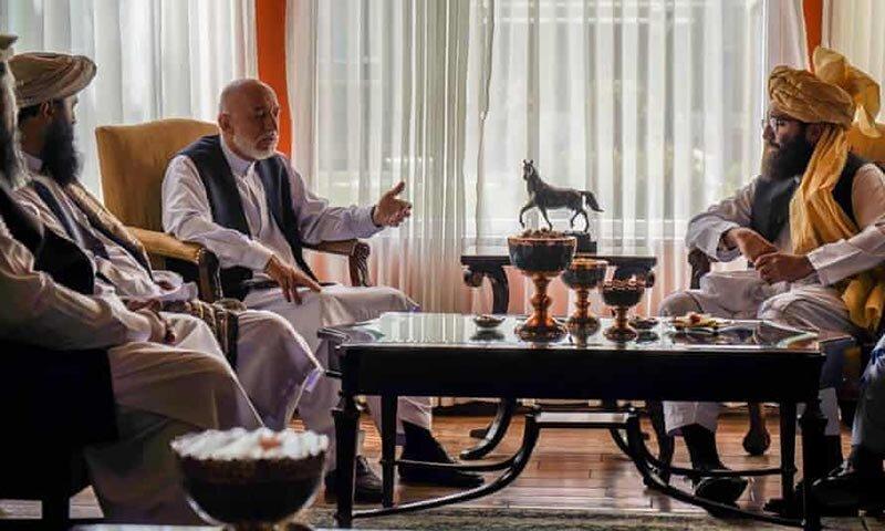 مذاکره حامد کرزی با فرماندهان ارشد طالبان برای انتقال آرام قدرت در افغانستان