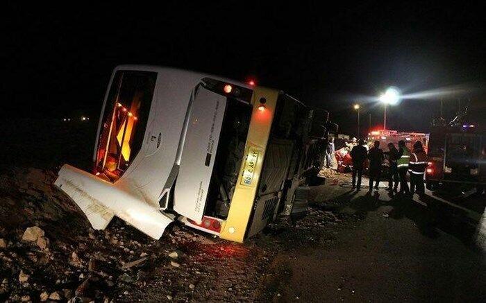 واژگونی اتوبوس در جاده دامغان به شاهرود  ۳۶ مسافر مصدوم شدند