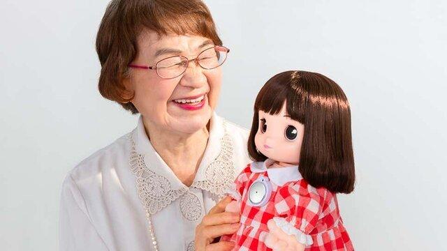 پایان تنهایی مادربزرگها و پدربزرگهای ژاپنی با آمدن نوه رباتیک!