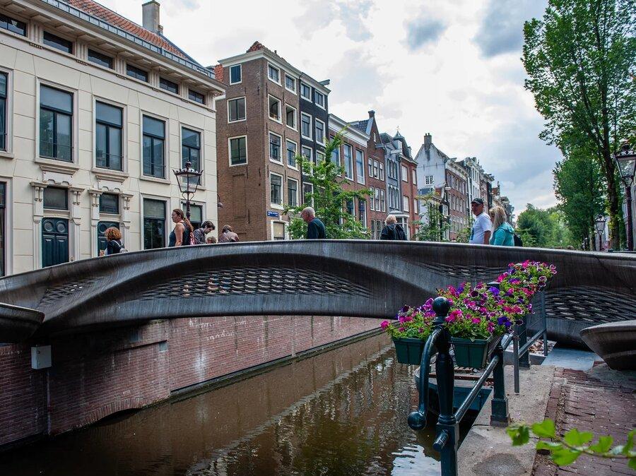 تصاویر   اولین پل فلزی چاپ سه بعدی در اروپا به بهرهبرداری رسید