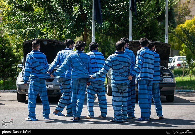 پدیدههای عجیب در میان خلافکاران   از دستگیری دزد فرنگ رفته تا بازداشت سارقان بنزسوار