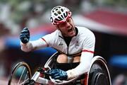 عکس | ویلچر خرابی که یک دونده پارالمپیکی را رکورد دار جهان کرد