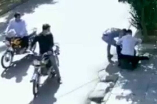 بدشانسی یک باند زورگیری؛ موبایل قاپی از مامور مسلح زیر پل سیدخندان