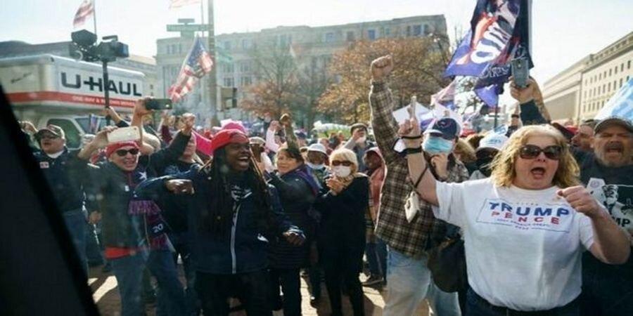 تظاهرات علیه بایدن