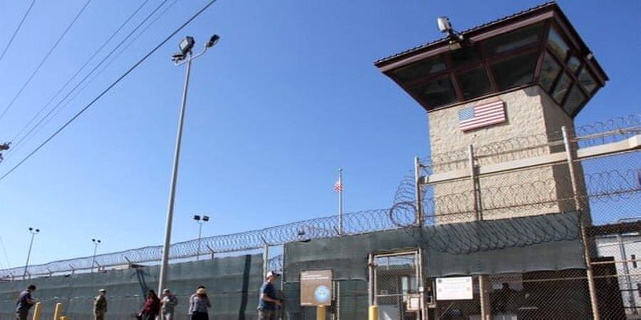 شکنجههای وحشتناک سیا در زندانهای مخوف آمریکا | روایت محمود صلاحی از شکنجههای غیر قابل تحمل در گوانتانامو