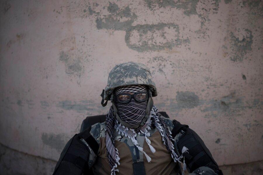 تصاویر | بازگشت نیروهای طالبان به زندان پل چرخی