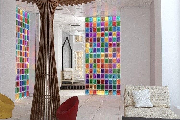 شیشه رنگی و کاربرد های مختلف آن.jpg