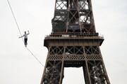 عکس روز| بندبازی در برج ایفل