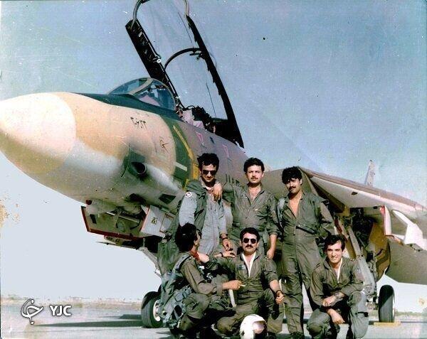 تصاویر   این خلبان ایرانی توانست پایگاه هوایی ناصریه رژیم بعثی را نابود کند؟    خلبانی که غریبانه در بصره به خاک سپرده شد