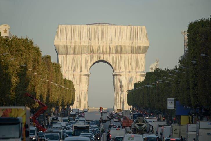 طاق پيروزي پربازديدترين مكان ديدني پاريس است.