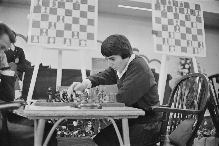 تحقیر قهرمان زن شطرنج در برابر میلیونها مخاطب | شکایت میلیون دلاری قهرمان واقعی از نتفلیکس | دروغ جنسیتی در سریال گامبی وزیر