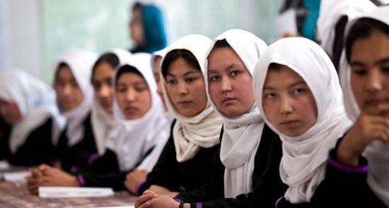 دختران افغان در مدرسه