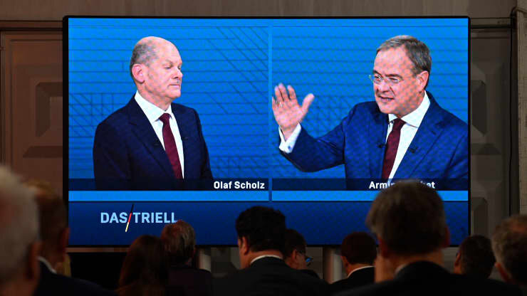لاشت و شولتس دو رقيب اصلي اين رقابت انتخاباتي هستند.