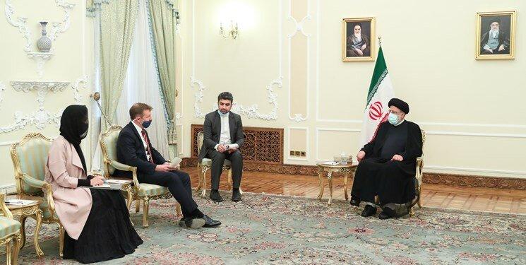 رئیسی خطاب به سفیر انگلیس: همکاری کشورها باید بر اساس احترام متقابل باشد | زیر بار زور نمیرویم