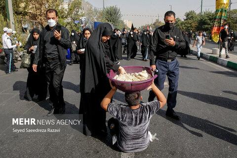 پیاده روی جاماندگان اربعین در تهران و شهرستان ها