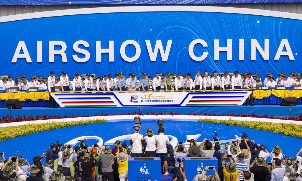 چین در بزرگترین نمایشگاه هواییاش فناوریهای نظامی پیشرفته را به نمایش میگذارد