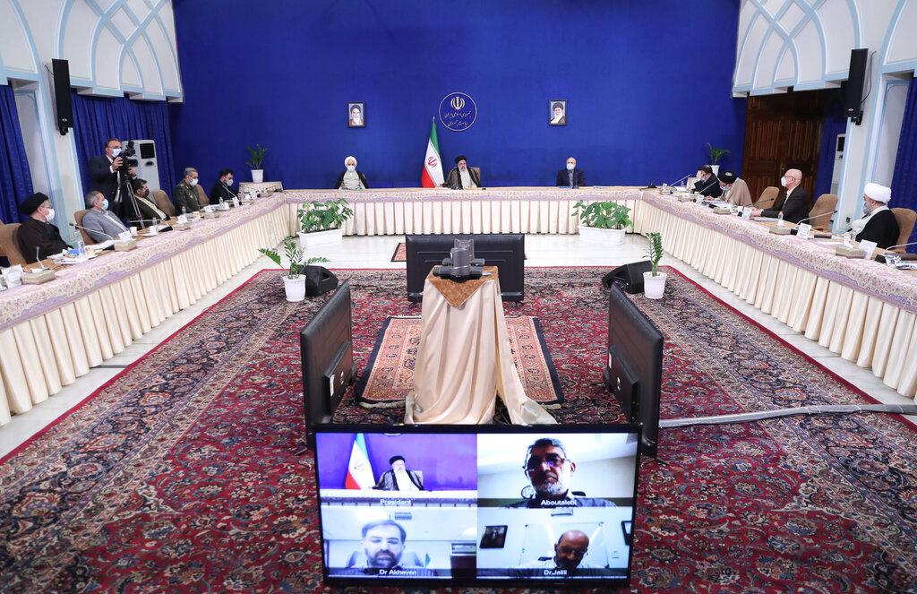 رئیسی: دشمنان به فضای شخصی و اطلاعاتی مردم و کشور هجمه میآورند