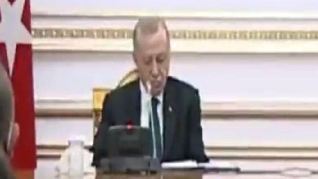 ویدئو   چرت زدن اردوغان در نشست خبری با رئیس جمهور آنگولا