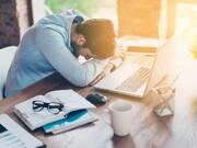 راهحلهایی برای مقابله با خوابآلودگی در محیط کار