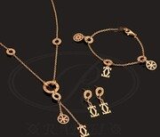 خرید آنلاین طلا، و انواع دستبند و سرویس طلا با تضمین اصالت